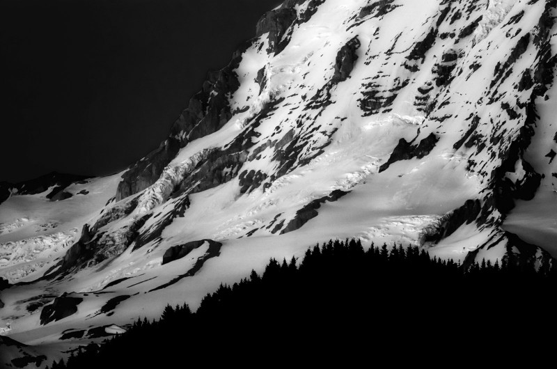 mt-rainier-base-bw